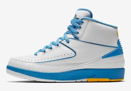 """c62ad2d1643 Like the previous shoe, the """"Wing It"""", this shoe has a large majority of  white color which is a theme with some models of the Air Jordan 2."""